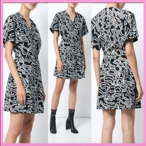 NWT Diane Von Fursteberg V-neck Flare Mini Dress
